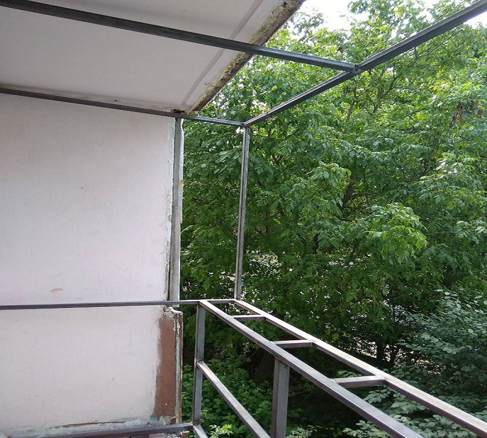 Зварювання каркаса на балкон в Рівному - Сезон Плюс-min