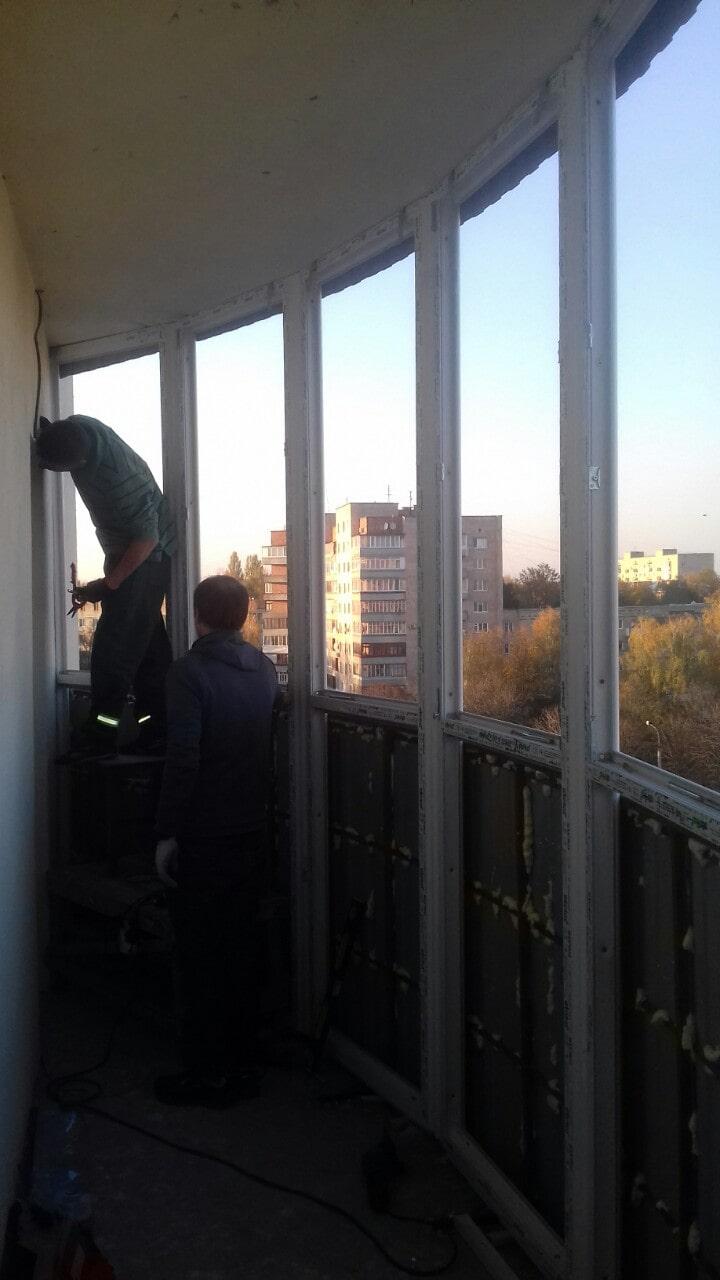 Монтаж вікон на балкон в Рівному - Сезон Плюс (2)-min